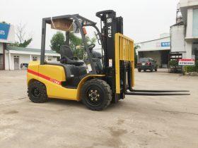 Xe nâng 3 tấn mới TEU và lưu ý khi lựa chọn tải trọng
